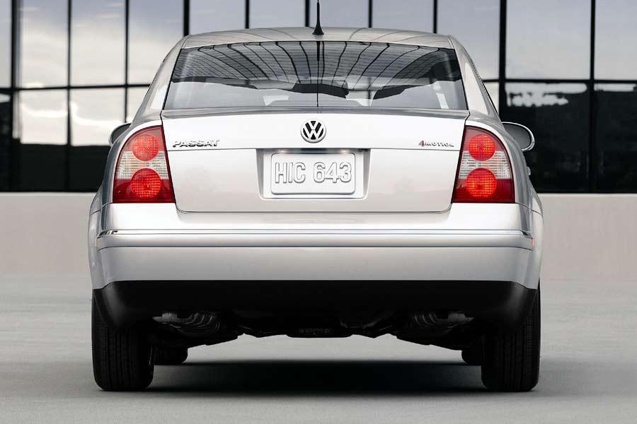 2004 Volkswagen Passat Photo 3 of 7