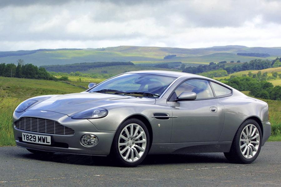 2004 Aston Martin V12 Vanquish Photo 2 of 8