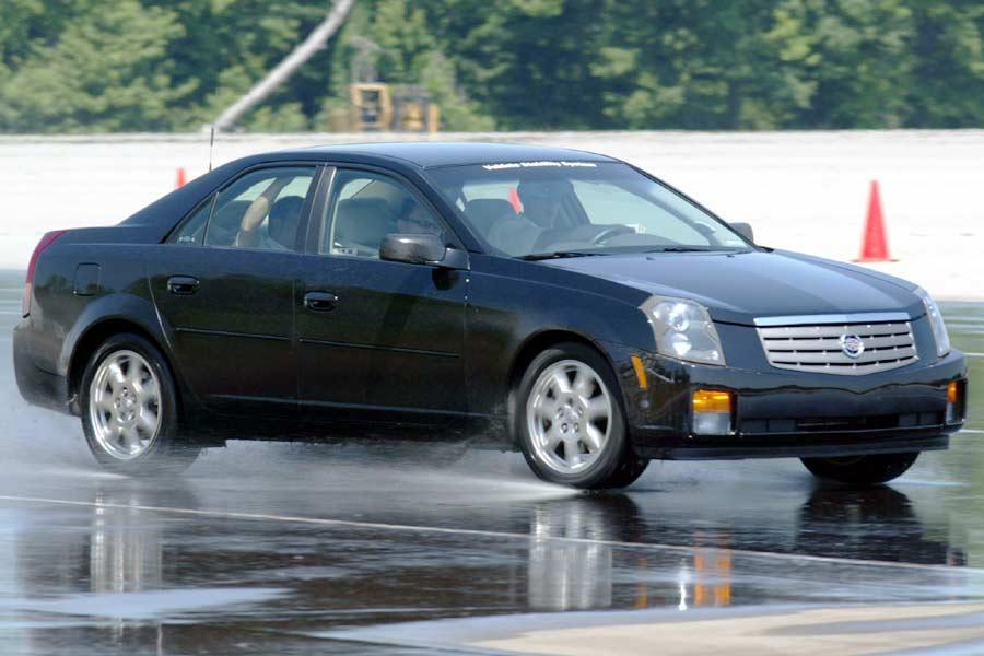 2004 Cadillac CTS Photo 4 of 13