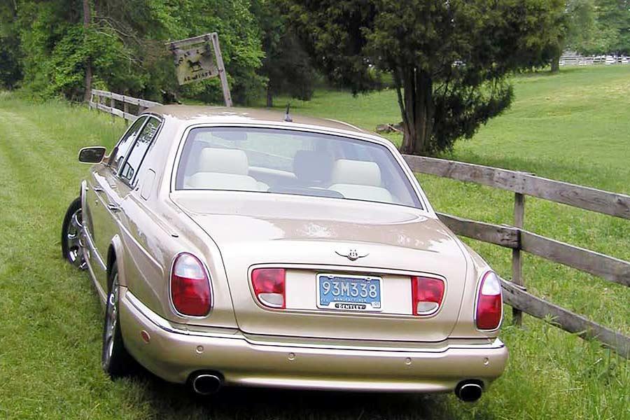 2004 Bentley Arnage Photo 3 of 6