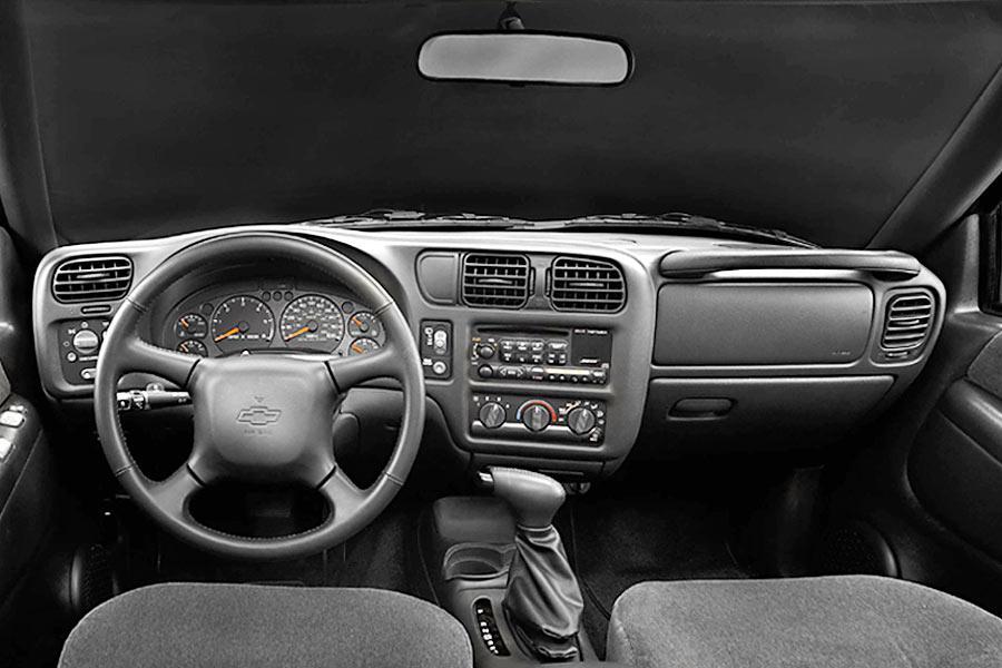 2004 Chevrolet Blazer Photo 6 of 6