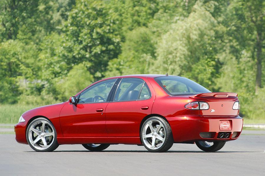2004 Chevrolet Cavalier Photo 3 of 9