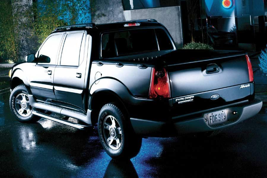2004 Ford Explorer Sport Trac Photo 2 of 3