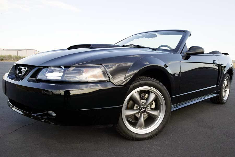 2004 Ford Mustang Photo 3 of 3