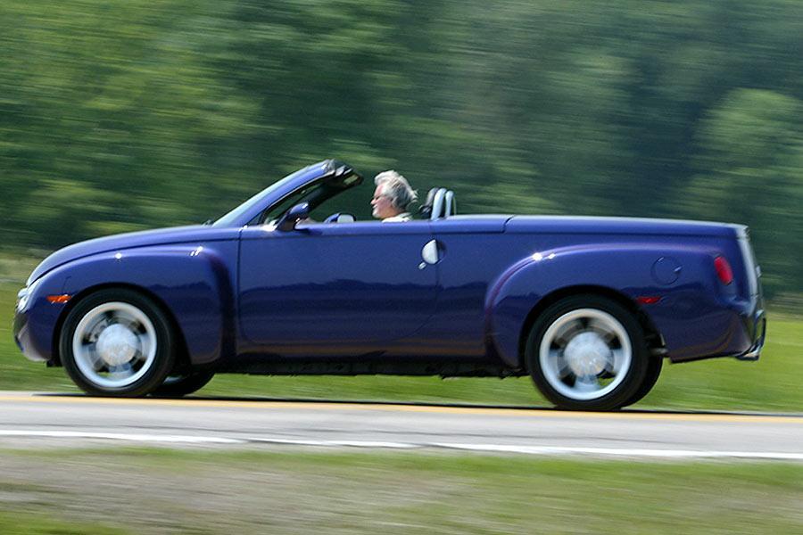 2004 Chevrolet SSR Photo 1 of 4