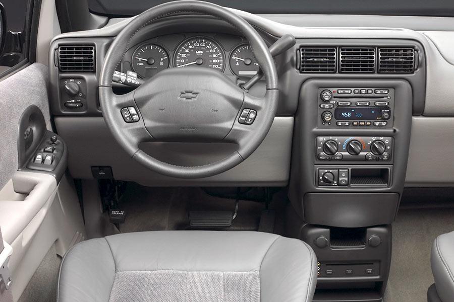 2004 Chevrolet Venture Photo 3 of 3