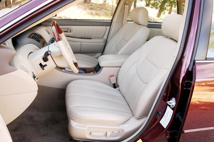 2004 Toyota Avalon Overview  Carscom