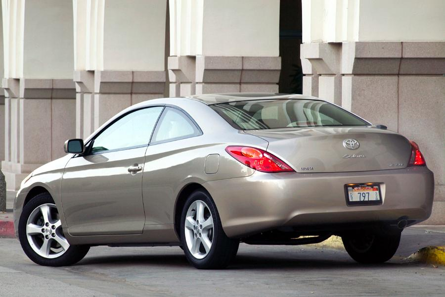 2004 Toyota Camry Solara Photo 2 of 9