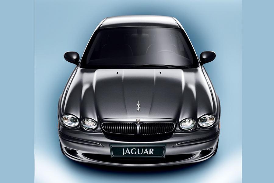 2004 Jaguar X-Type Photo 2 of 9