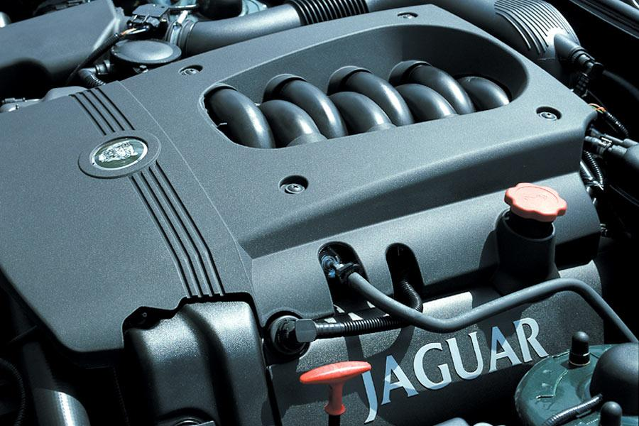 2004 Jaguar XK8 Photo 2 of 4