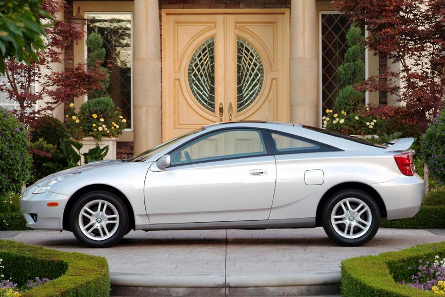 2004 Toyota Celica Photo 4 of 7