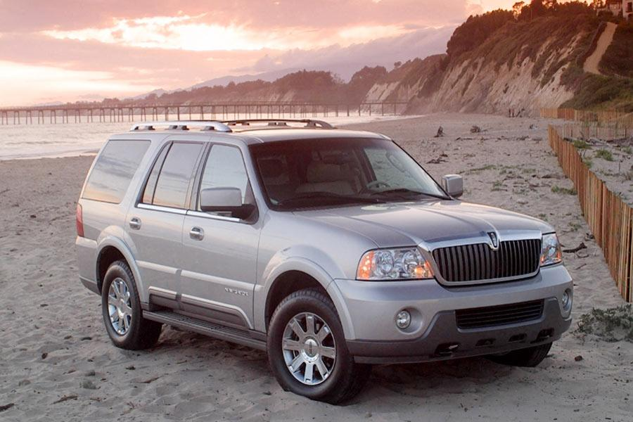 2004 Lincoln Navigator Photo 5 of 8