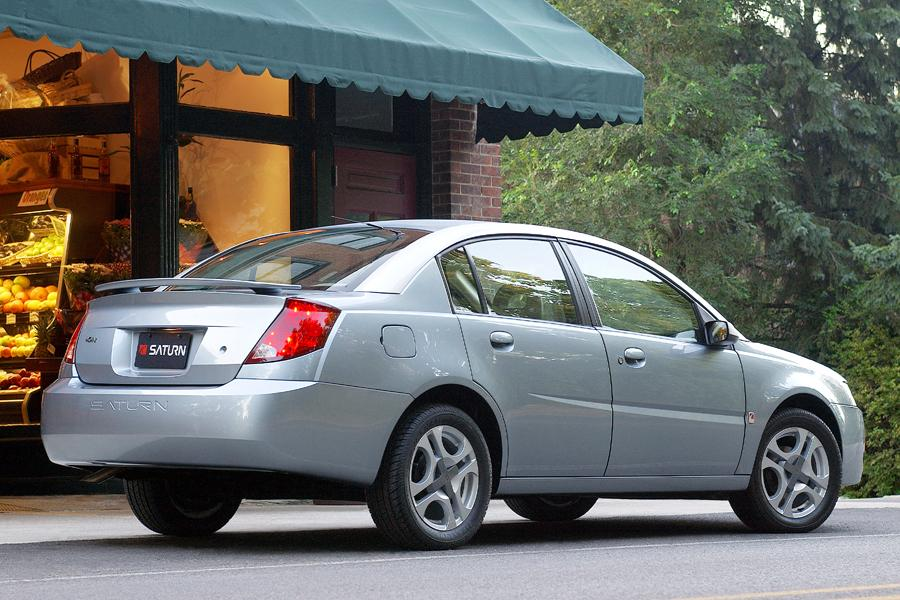 2004 Saturn Ion Photo 4 of 9
