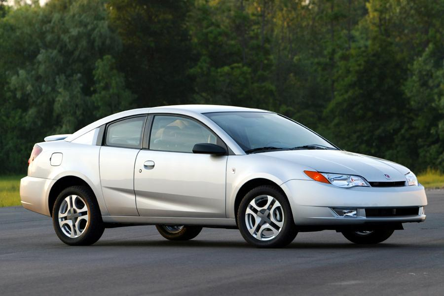 2004 Saturn Ion Photo 1 of 9