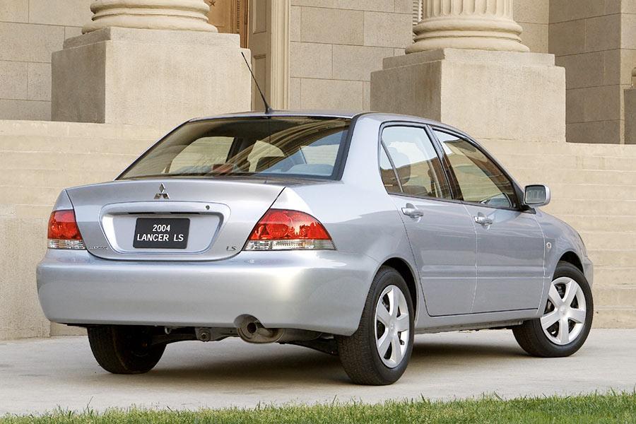 2004 Mitsubishi Lancer Photo 3 of 11