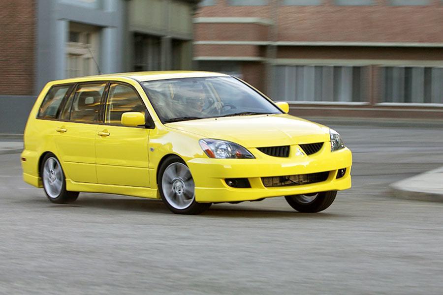 2004 Mitsubishi Lancer Sportback Photo 3 of 11