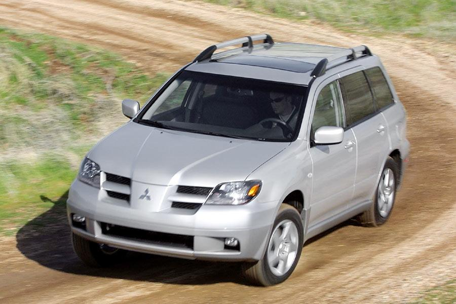 2004 Mitsubishi Outlander Photo 3 of 8