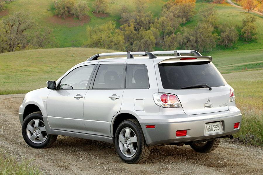2004 Mitsubishi Outlander Photo 4 of 8