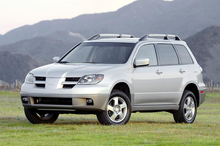 2004 Mitsubishi Outlander Photo 1 of 8
