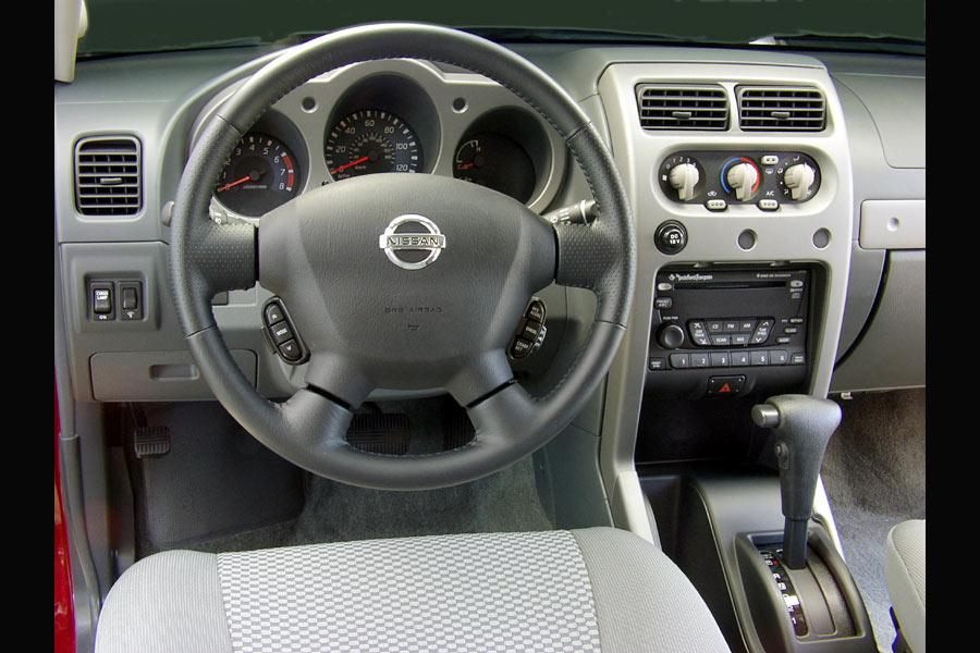 2004 Nissan Frontier Photo 5 of 5
