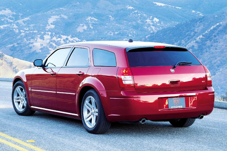 2005 Dodge Magnum Photo 3 of 5