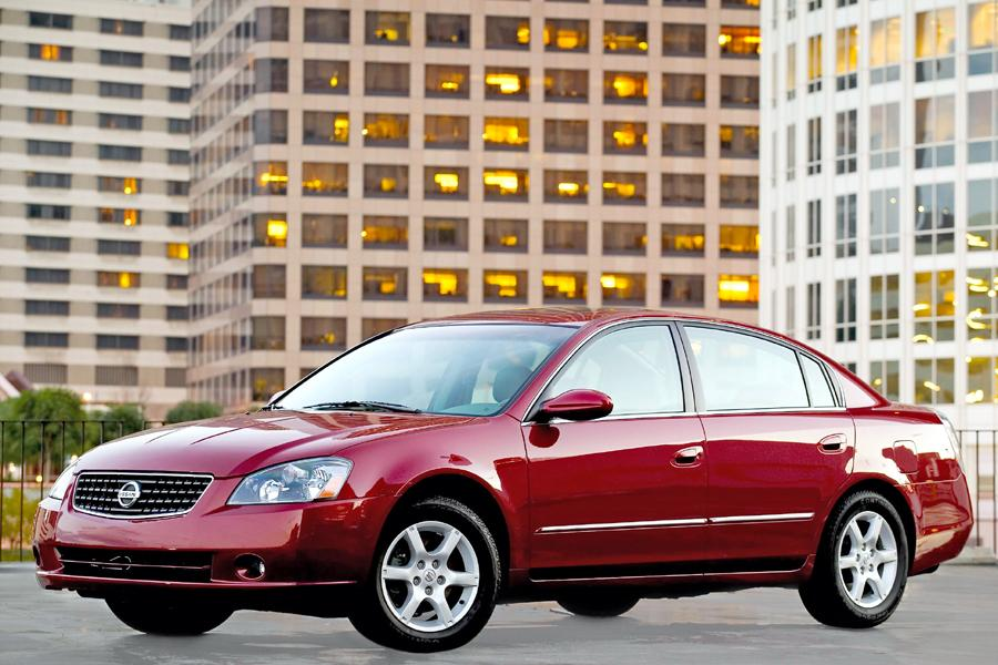 2005 Nissan Altima Photo 5 of 10