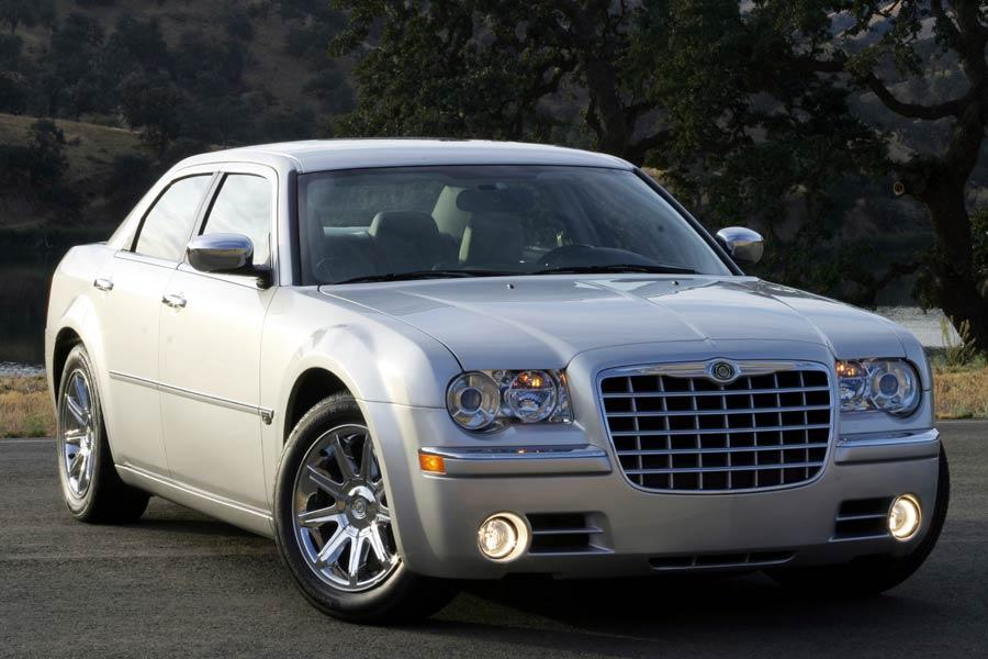 2005 Chrysler 300 Photo 1 of 11