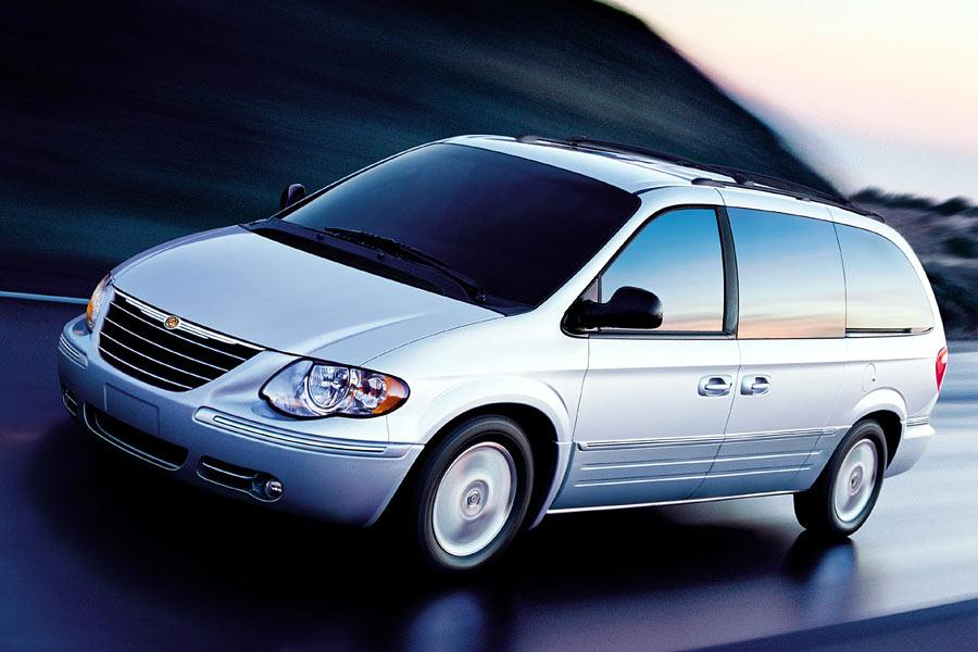 2005 chrysler town country reviews specs and prices. Black Bedroom Furniture Sets. Home Design Ideas