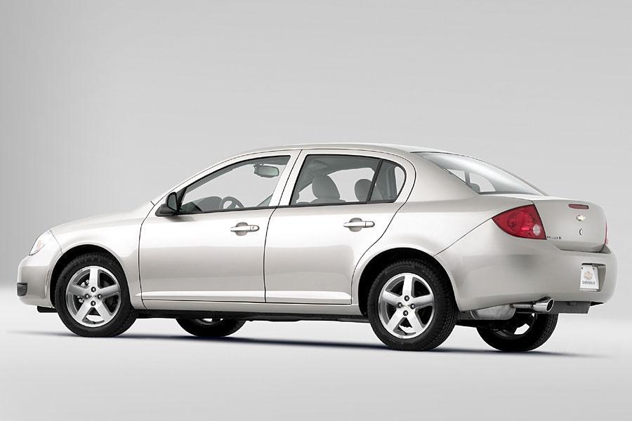 2005 Chevrolet Cobalt Photo 4 of 13