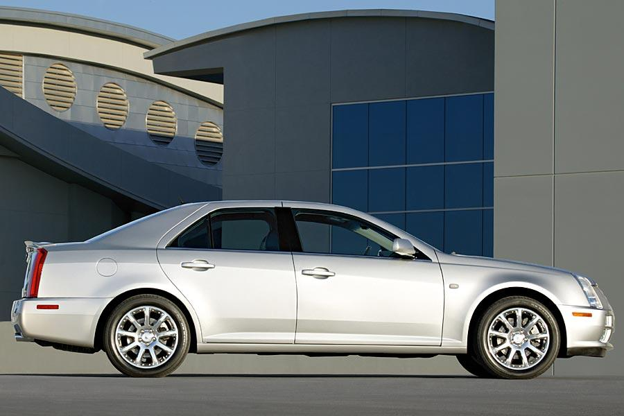 2005 Cadillac STS Photo 2 of 8