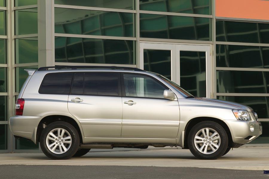 2006 Toyota Highlander Photo 2 of 13