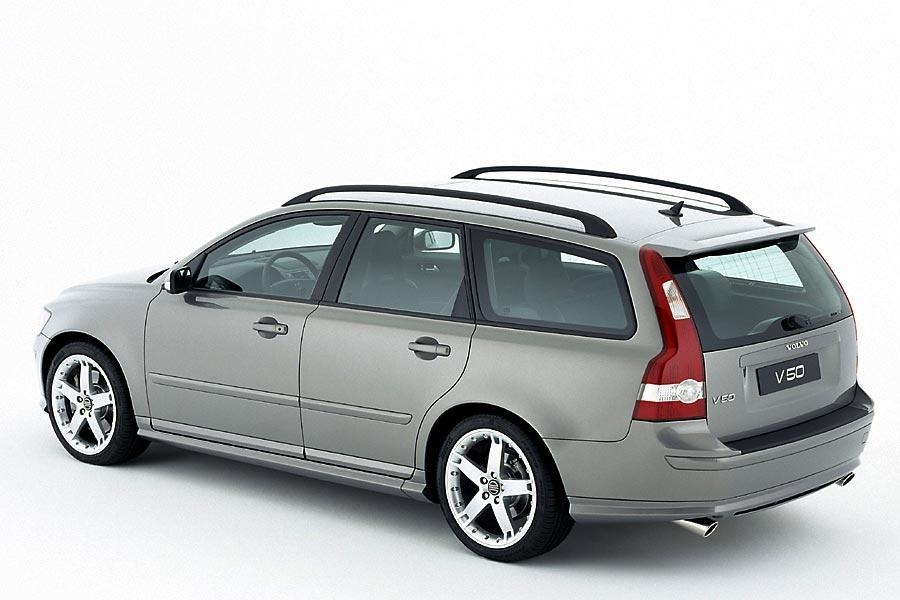 2005 Volvo V50 Photo 2 of 5