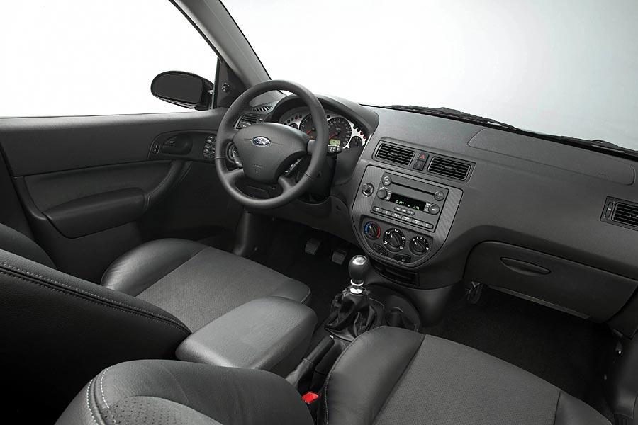 2005 Ford Focus Photo 3 of 3
