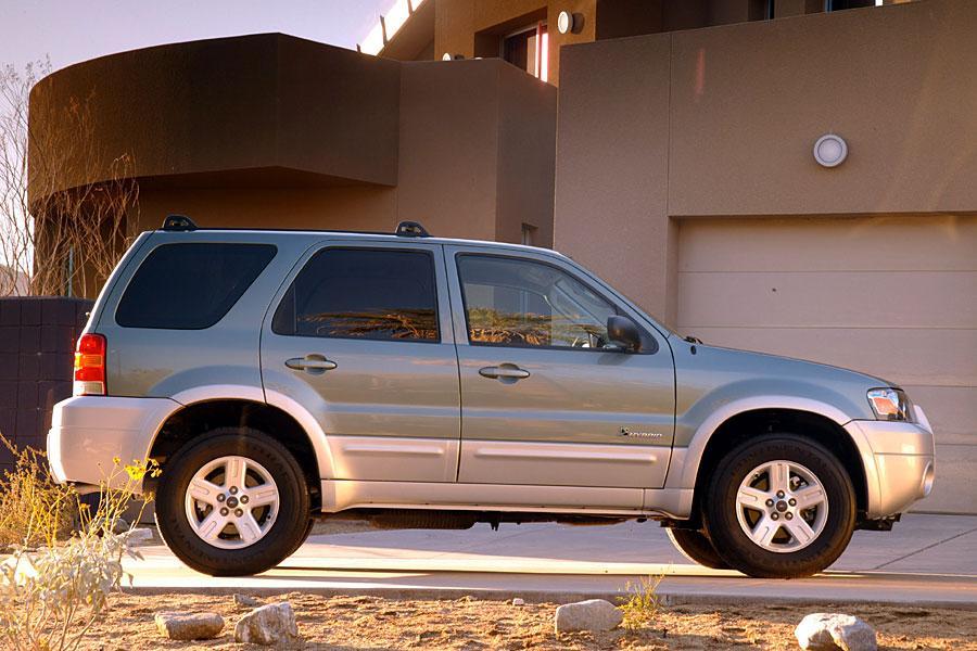 2005 Ford Escape Hybrid Photo 2 of 15