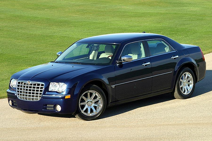 2005 Chrysler 300 Photo 5 of 11