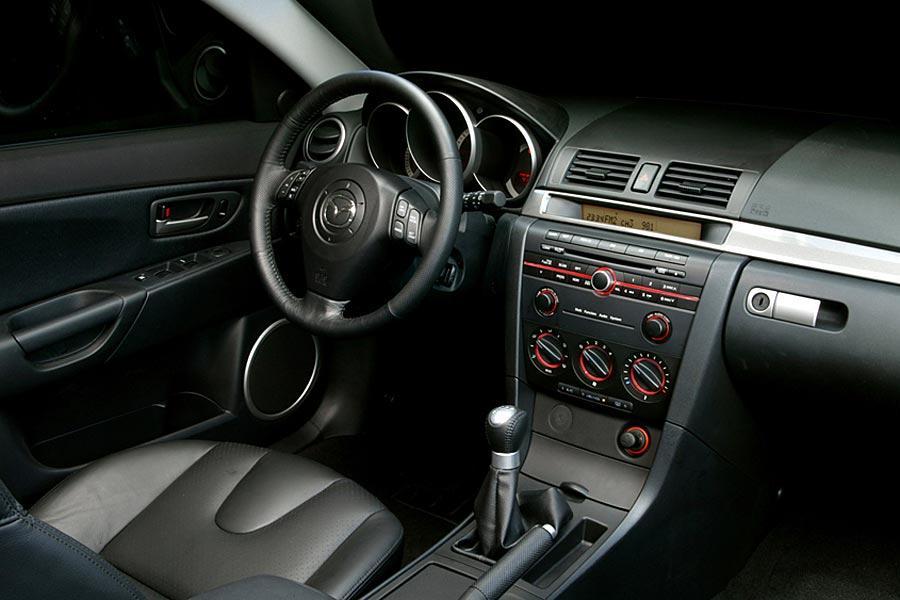 2005 mazda mazda3 specs pictures trims colors - Mazda 3 hatchback interior dimensions ...