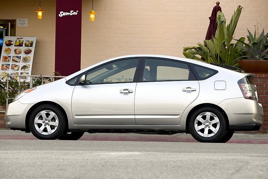 2005 Toyota Prius Photo 3 of 13