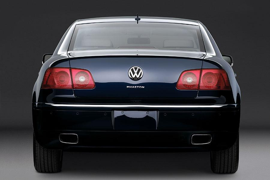 2005 Volkswagen Phaeton Photo 3 of 8
