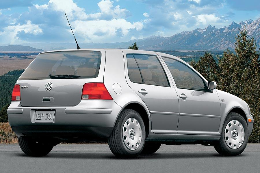 2005 Volkswagen Golf Photo 2 of 9