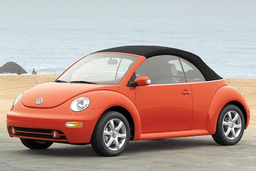 2005 Volkswagen New Beetle Photo 2 of 14