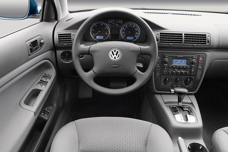 volkswagen passat specs pictures trims colors carscom