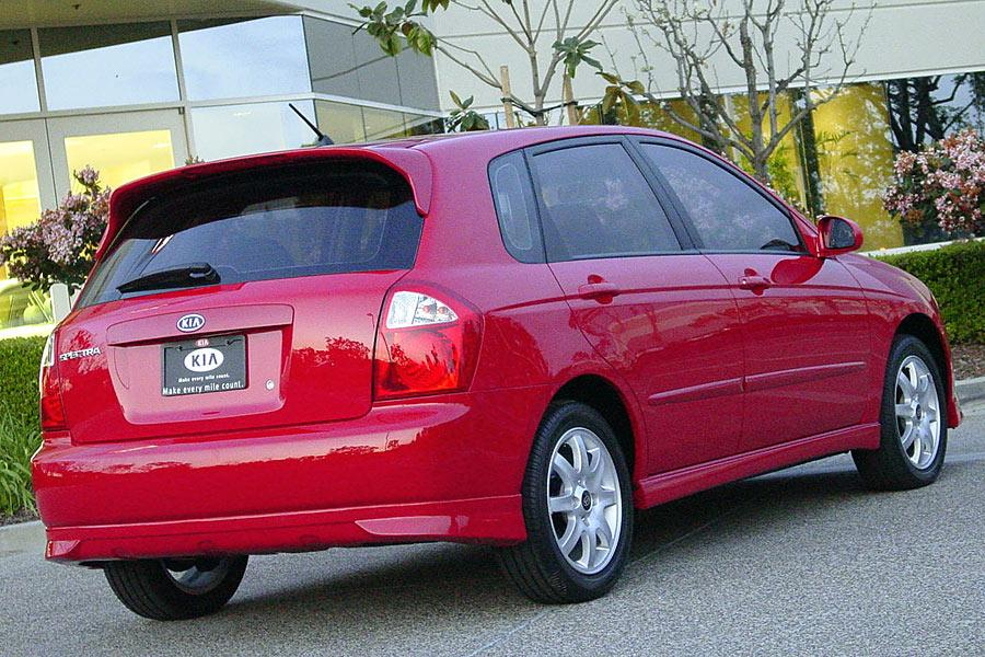 2005 Kia Spectra5 Photo 5 of 10