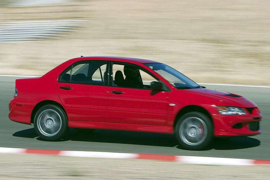 2005 Mitsubishi Lancer Evolution Photo 3 of 10