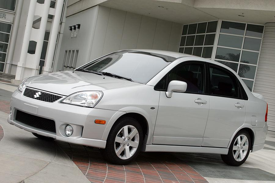 2005 Suzuki Aerio Photo 3 of 9