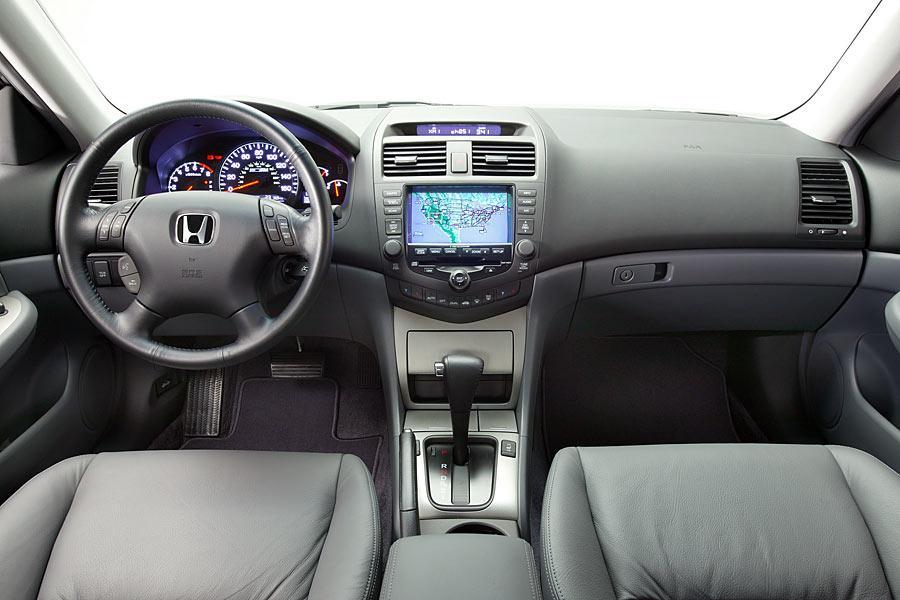 honda accord hybrid specs pictures trims colors carscom