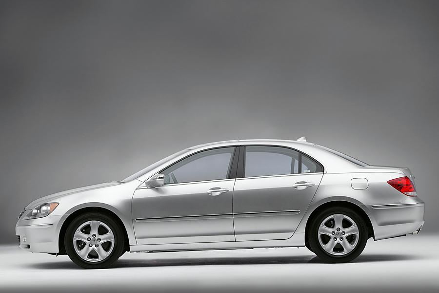 2005 Acura RL Photo 2 of 9