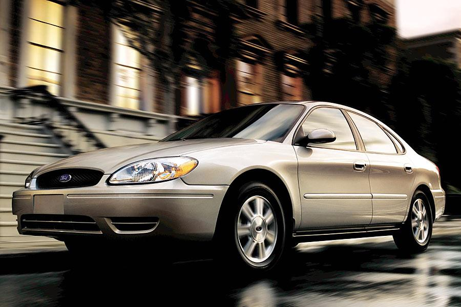 2005 Ford Taurus Photo 3 of 4