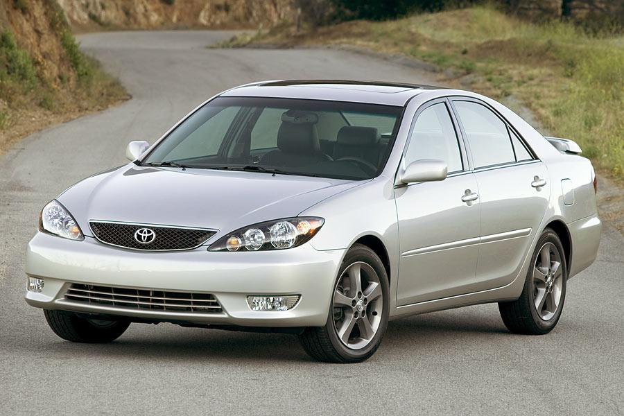 2005 Toyota Camry Photo 1 of 15