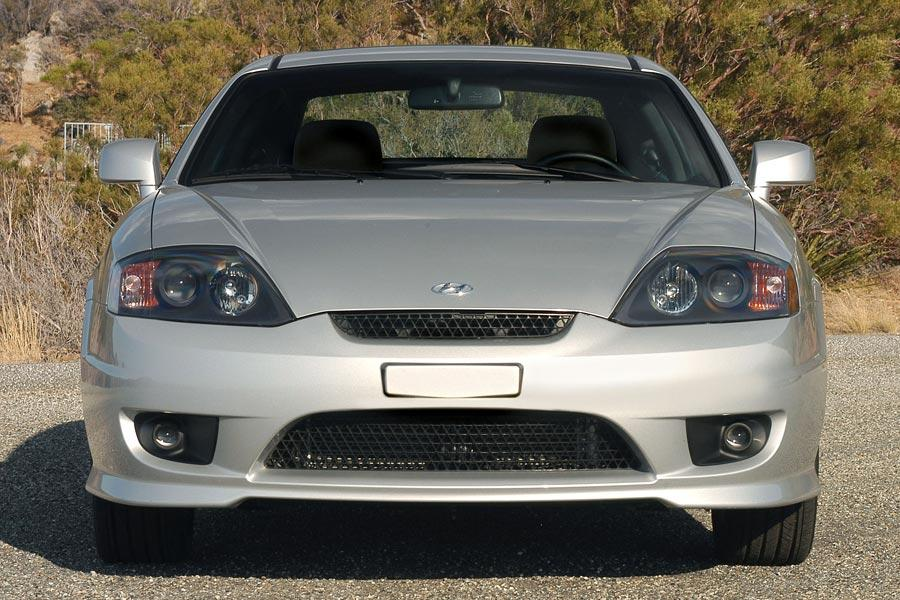 2005 Hyundai Tiburon Photo 3 of 5