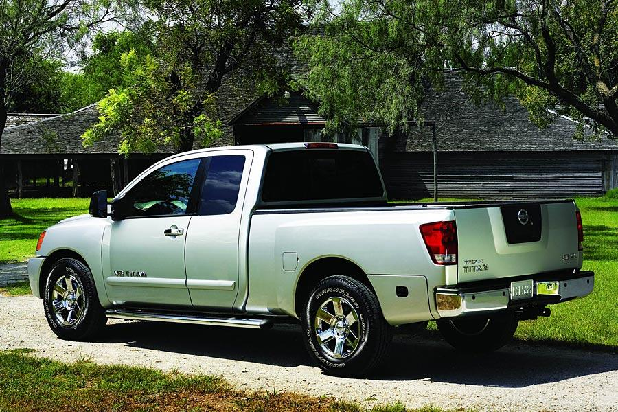 2005 Nissan Titan Photo 3 of 12